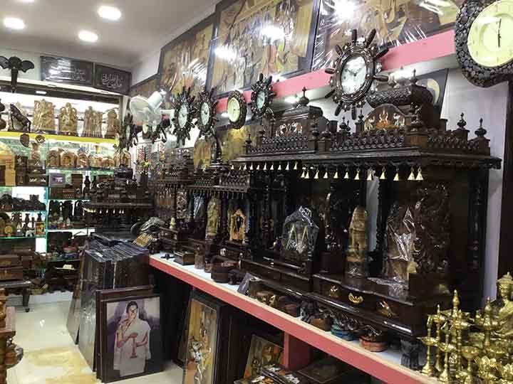 Mysore Cauvery Handicrafts And Silk Emporium